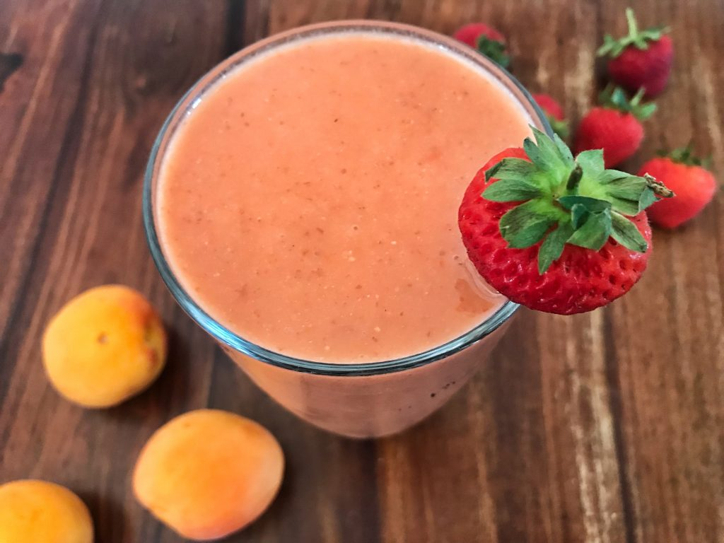 Strawberry & Apricot Vegan Smoothie