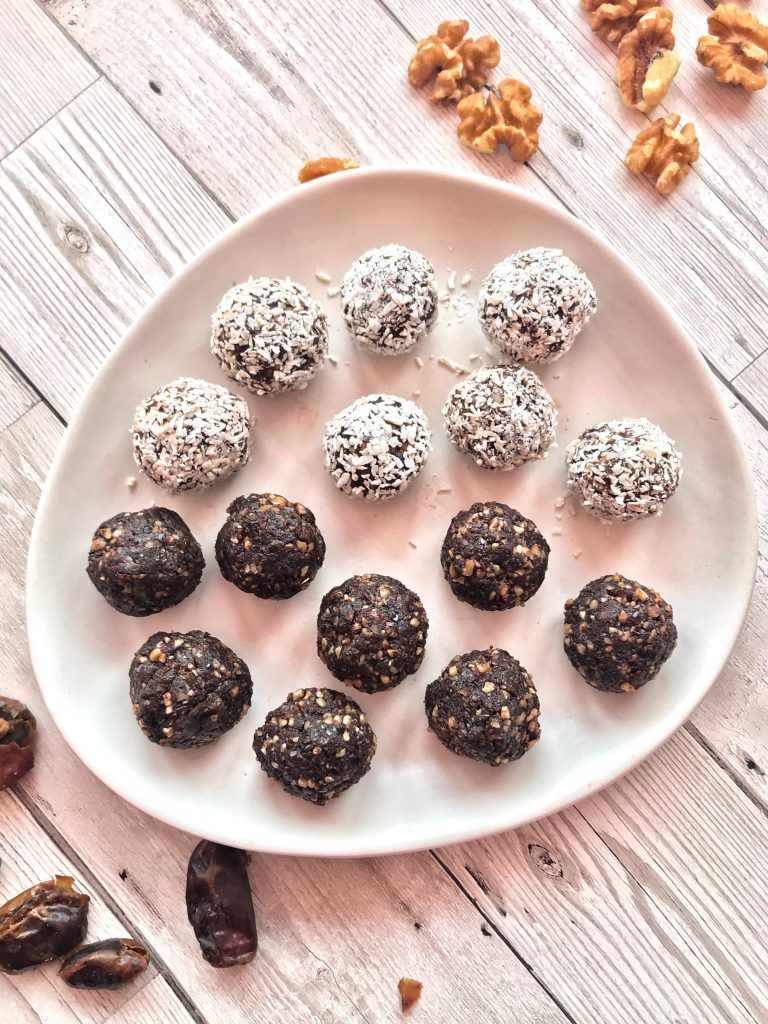 Walnut, Cacao & Date Raw Energy Bites